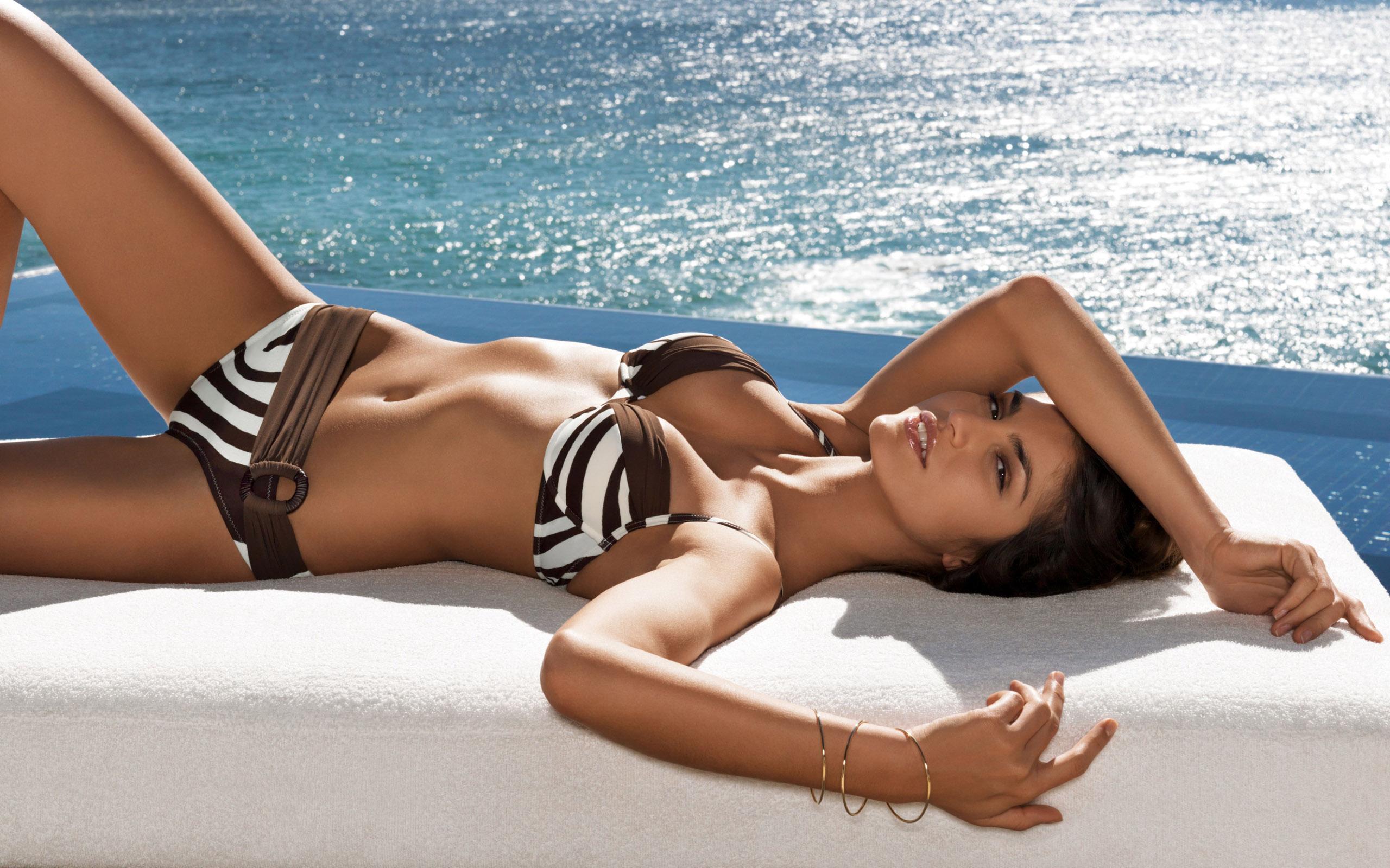 Кастинг девушек без купальников - Красивые фото моделей.